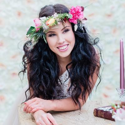 Loxus Hair & Make-up by Maya Jasinska HMUA is offering brides-to-be a free trial