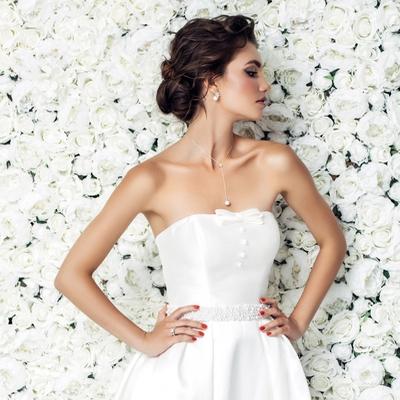 How to embellish a plain wedding dress