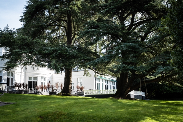 Get married at the beautiful Manor Parc
